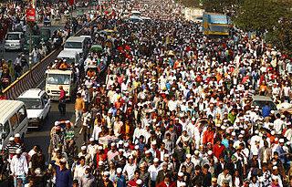 https://upload.wikimedia.org/wikipedia/commons/thumb/8/81/Biswa_Ijtema_Dhaka_Bangladesh.jpg/320px-Biswa_Ijtema_Dhaka_Bangladesh.jpg